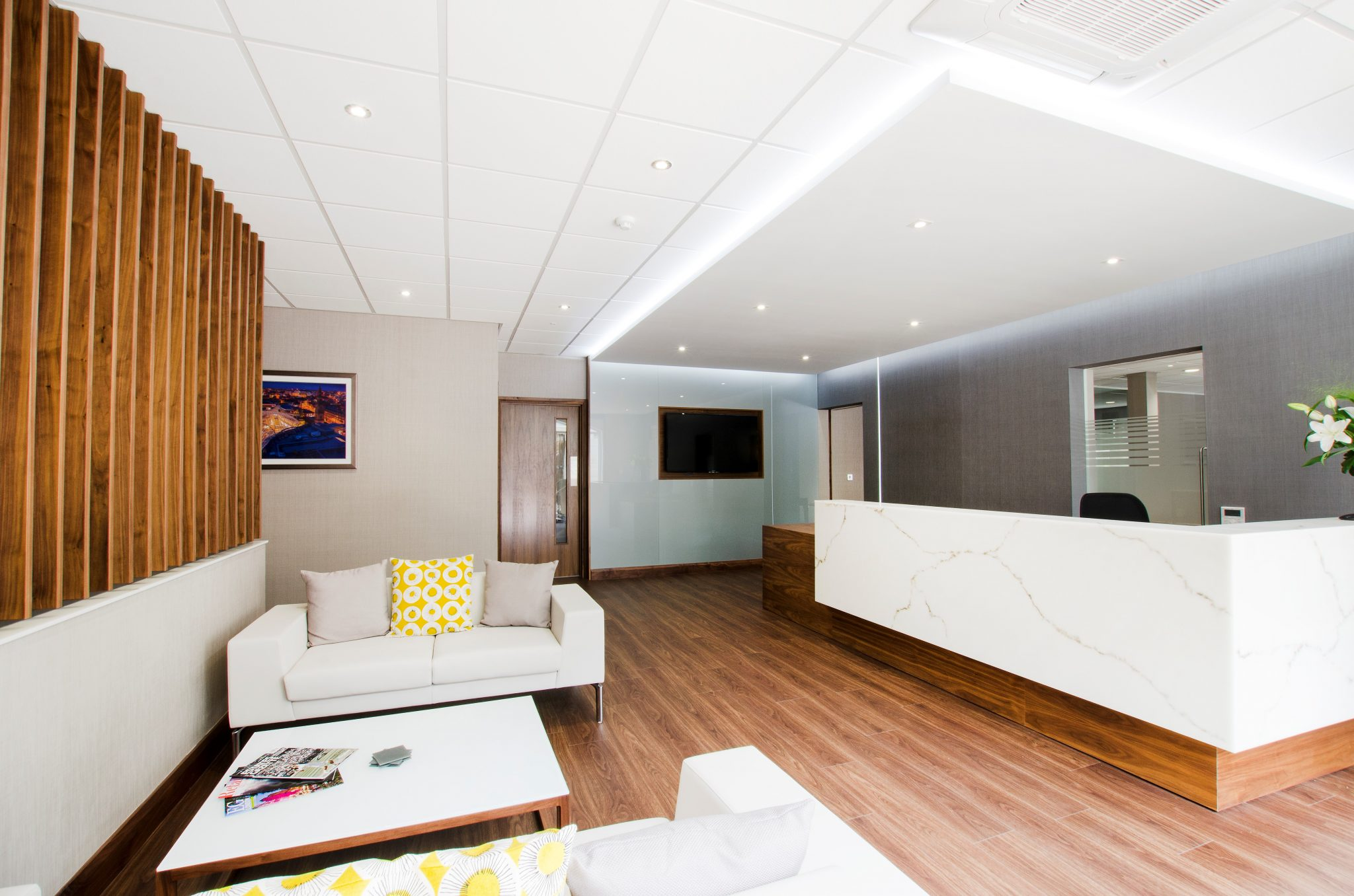 Innerspace Cheshire - Solid Surface